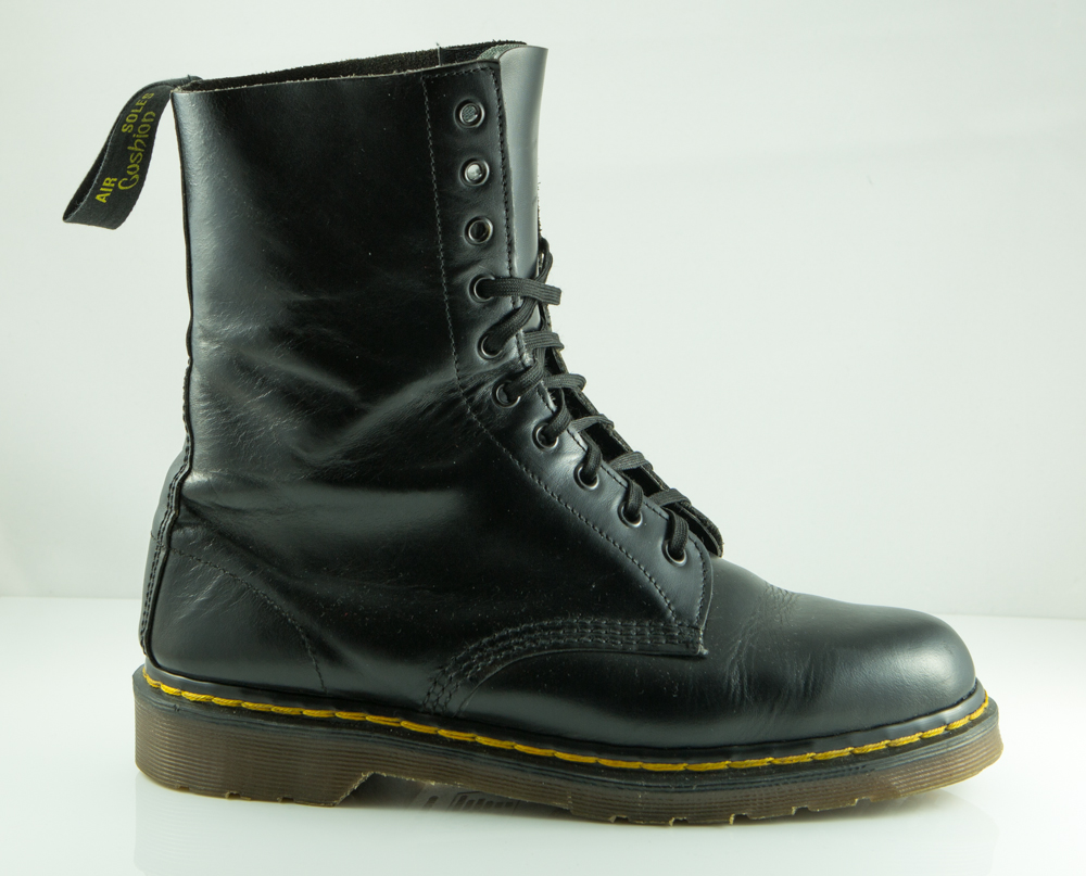 how to tell dr martens are real